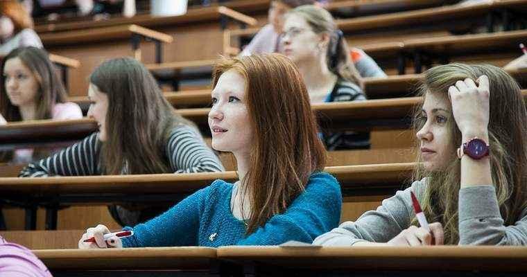 Студентам Крыма помогут с переводом в зарубежные вузы.
