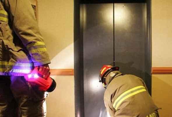 В Алуште из-за халатного отношения лифтовой службы 20 июня застряла мать с ребёнком