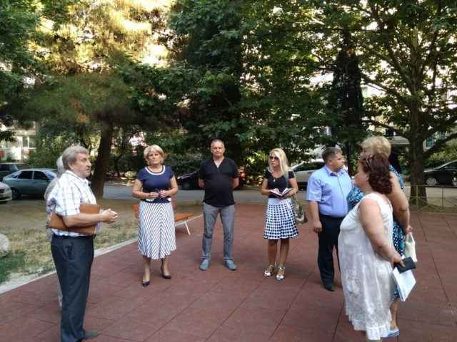 Галина Огнёва встретилась с жильцами домов по улице Ялтинской