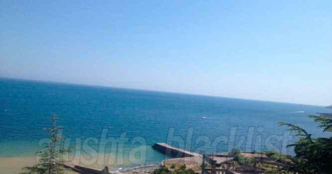 Море в Лазурном загрязнено!