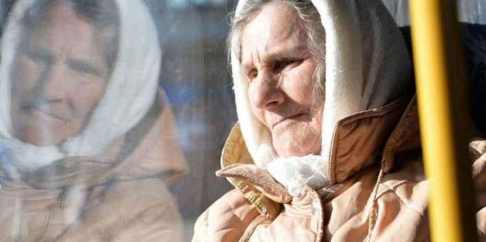Водитель троллейбуса по маршруту Профессорский уголок проехал мимо голосующей пенсионерки