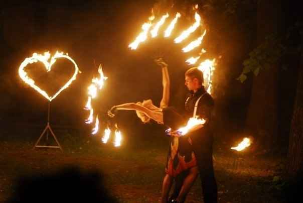 Особенности современных огненных шоу 20 августа 2017