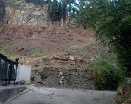 В Партените после борьбы по грязным правилам за склон началась его застройка