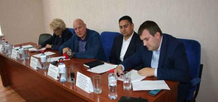 Виталий Нахлупин ознакомился с ситуацией в селах восточного региона Алушты