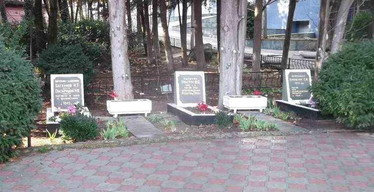 Мемориальный комплекс у «Звезды» вместо четырех захоронений в Приморском парке