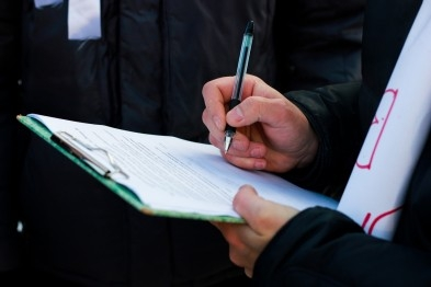 Аксенов поддерживает инициативу проведения соцопроса до заключения контракта с Украиной