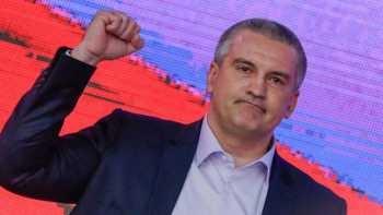 Аксенов снова стал одним из лидеров медиарейтинга губернаторов России