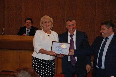 Председатель Госсовета Крыма Владимир Константинов подарил Алуште детскую площадку