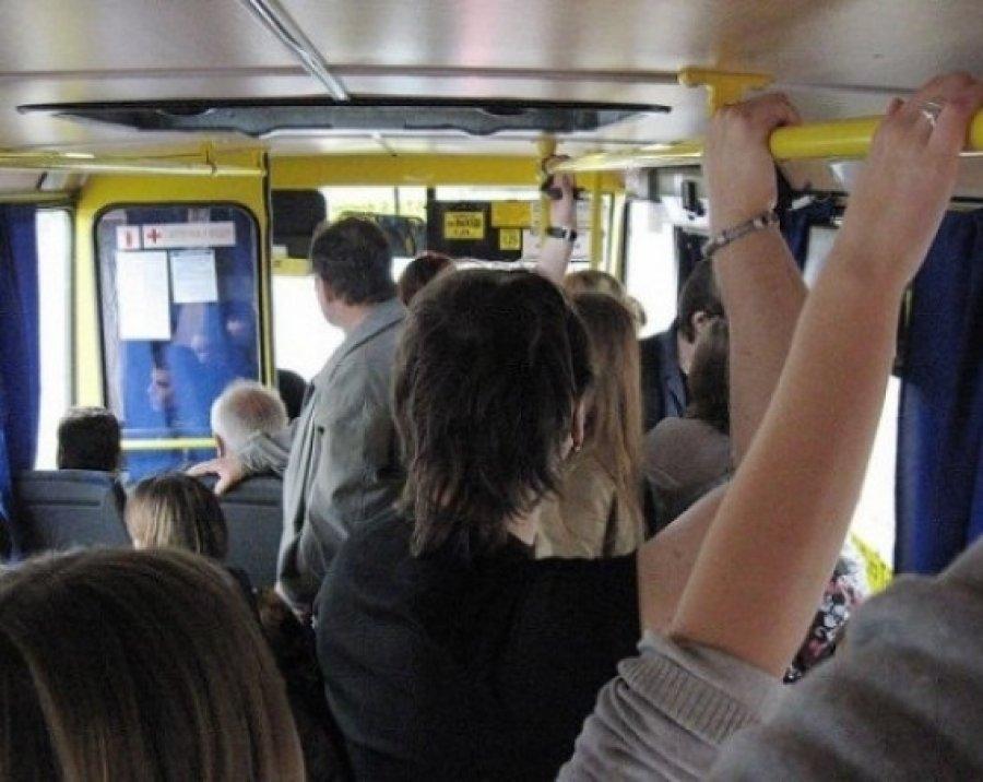 """Алуштинцы просят не отменять остановку маршрутного автобуса """"Алушта-Изобильное"""" на ул.Виноградной"""