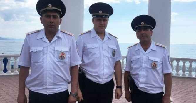 В Алуште полицейские спасли утопающую