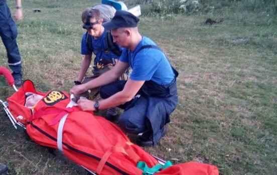 Алуштинские спасатели оказали помощь заблудившемуся туристу и эвакуировали женщину повредившую ногу на Демерджи