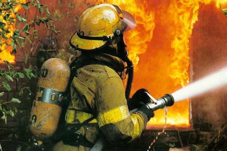 1260134787_fireman.jpg