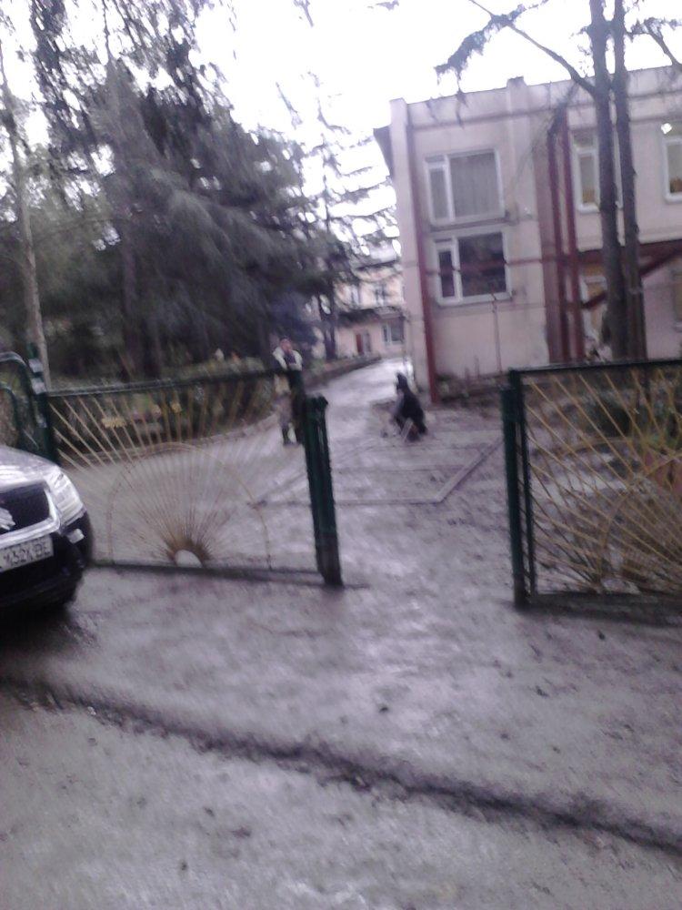 """Нарушение правил безопасности строительных работ, детсад """"Солнышко"""", Алушта"""