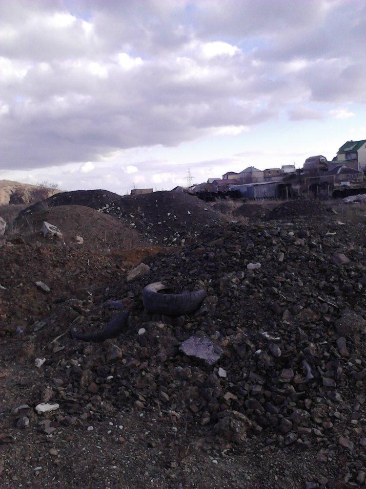 Бездействие  экологической инспекции Алушты, с.Изобильное. Свалка рядом с кладбищем и хлораторной