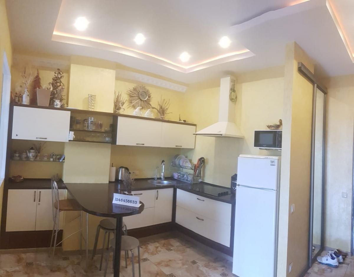 Посуточная аренда квартиру 46 кв.м на 2/13 этажа, по адресу г. Алушта, пгт.Партенит,ул.Прибрежная,7