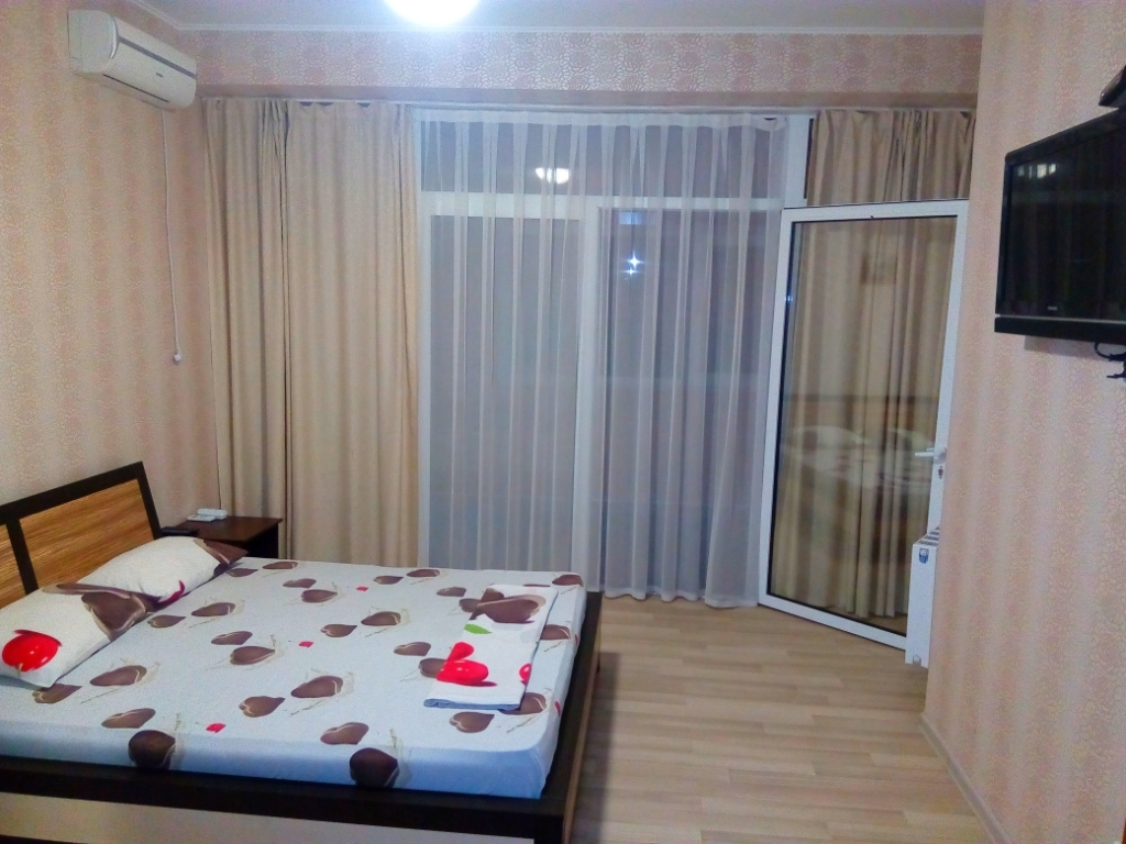 Посуточная аренда квартиры 40 кв.м на 4/5 этажа, по адресу г. Алушта, ул. Ленина, 27а
