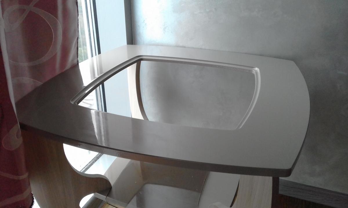 вырезать стекло для столика