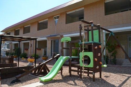 Посуточная аренда квартиры 36 кв.м на 1/2 этажа, по адресу г. Алушта, с. Солнечногорское, ул. Табачная 15
