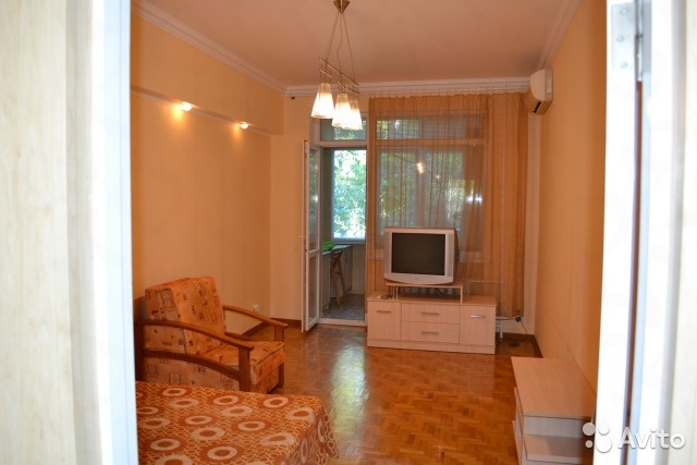 Посуточная аренда квартиры 45 кв.м на 1/4 этажа, по адресу г. Алушта, пер.Спортивный 11