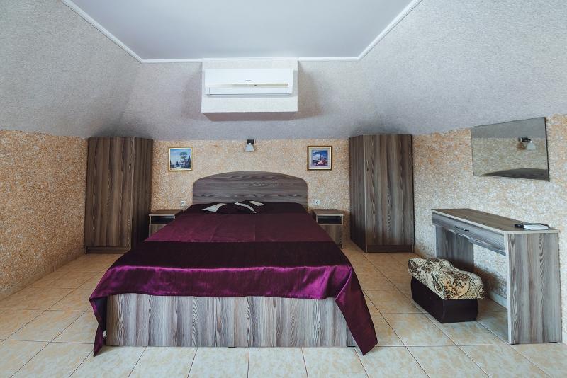 Посуточная аренда квартиры 16 кв.м на 2/2 этажа, по адресу г. Алушта, ул. Заречная
