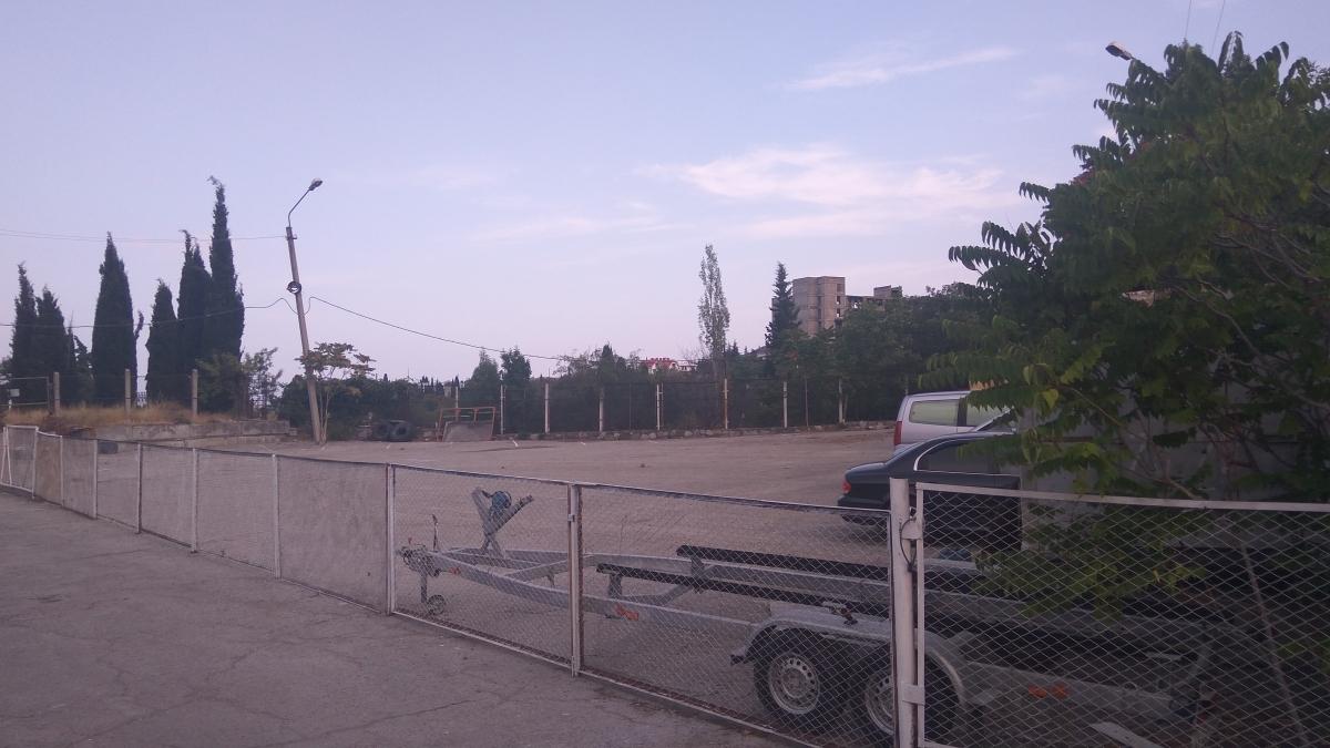 Стоянка на ул. Октябрьской (мост)