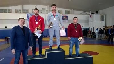 9 медалей завоевали алуштинские борцы на всероссийском турни.