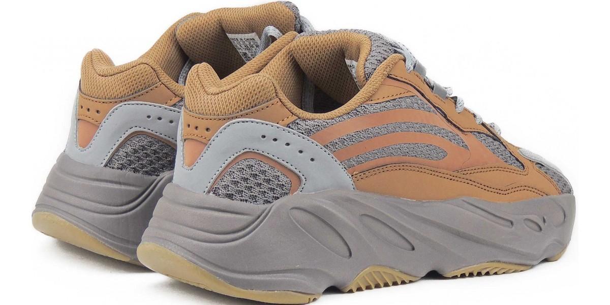 Брендовые кроссовки Адидас Изи Буст 700