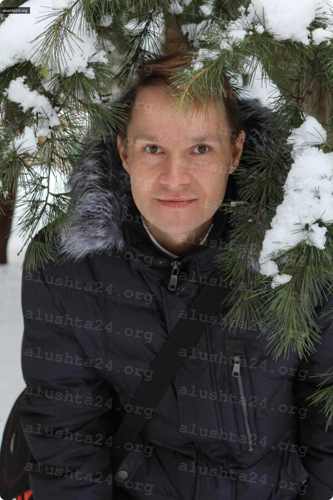 Все об Алуште: Константина Гирякова избили палками и зонтом на улице недалеко от его работы