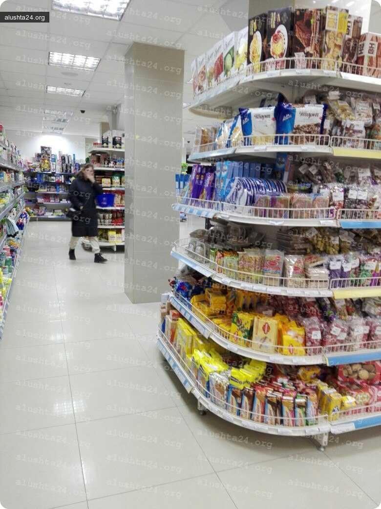 Все об Алуште: Удобная перепланировка в супермаркете Соседи