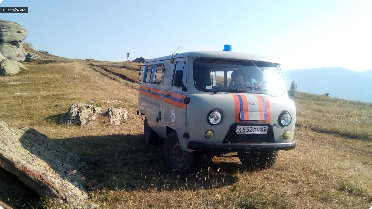 Все об Алуште: В Алуште спасли упавшего в горах парапланериста