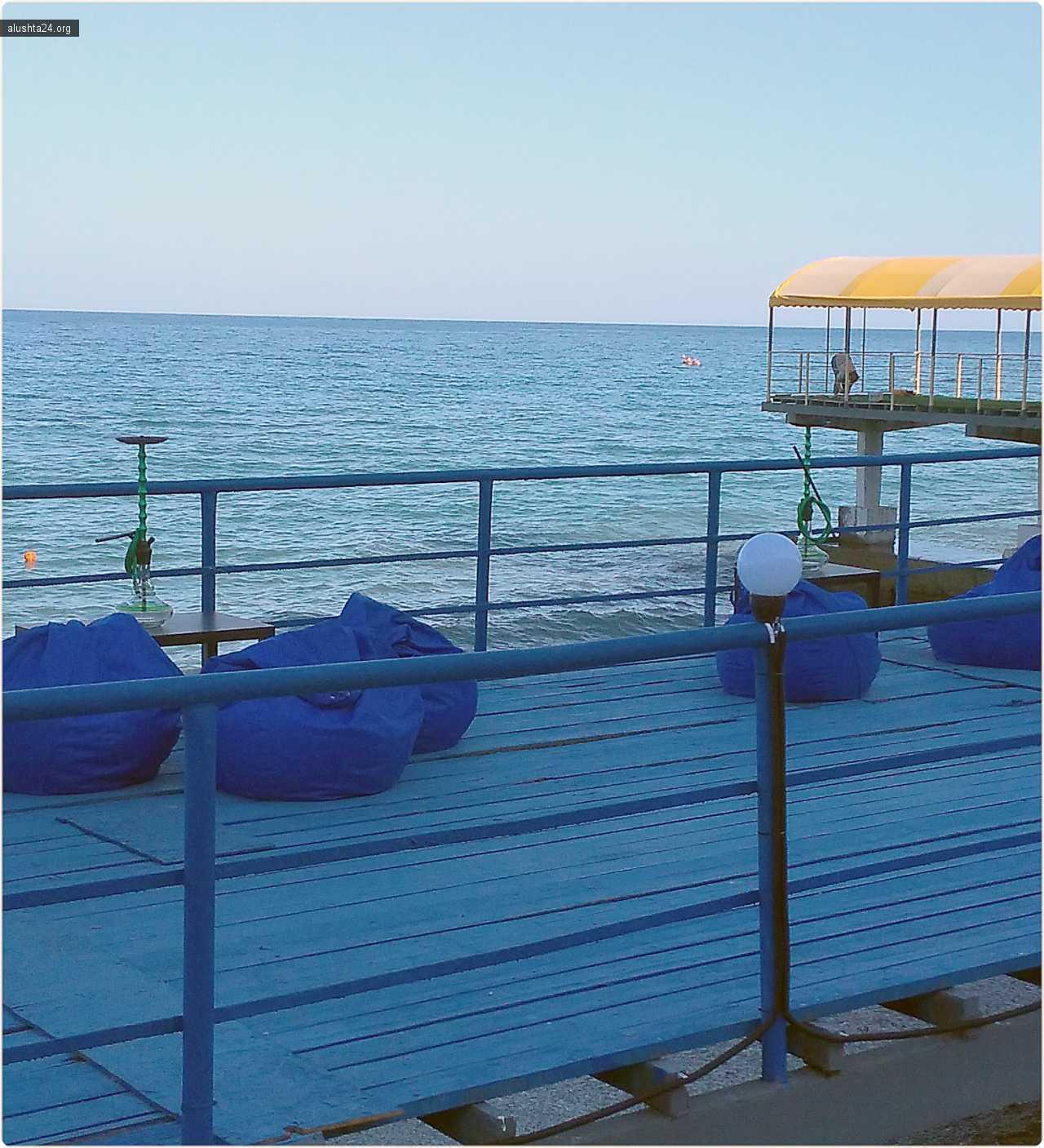 Новости: Кальянная на пляже