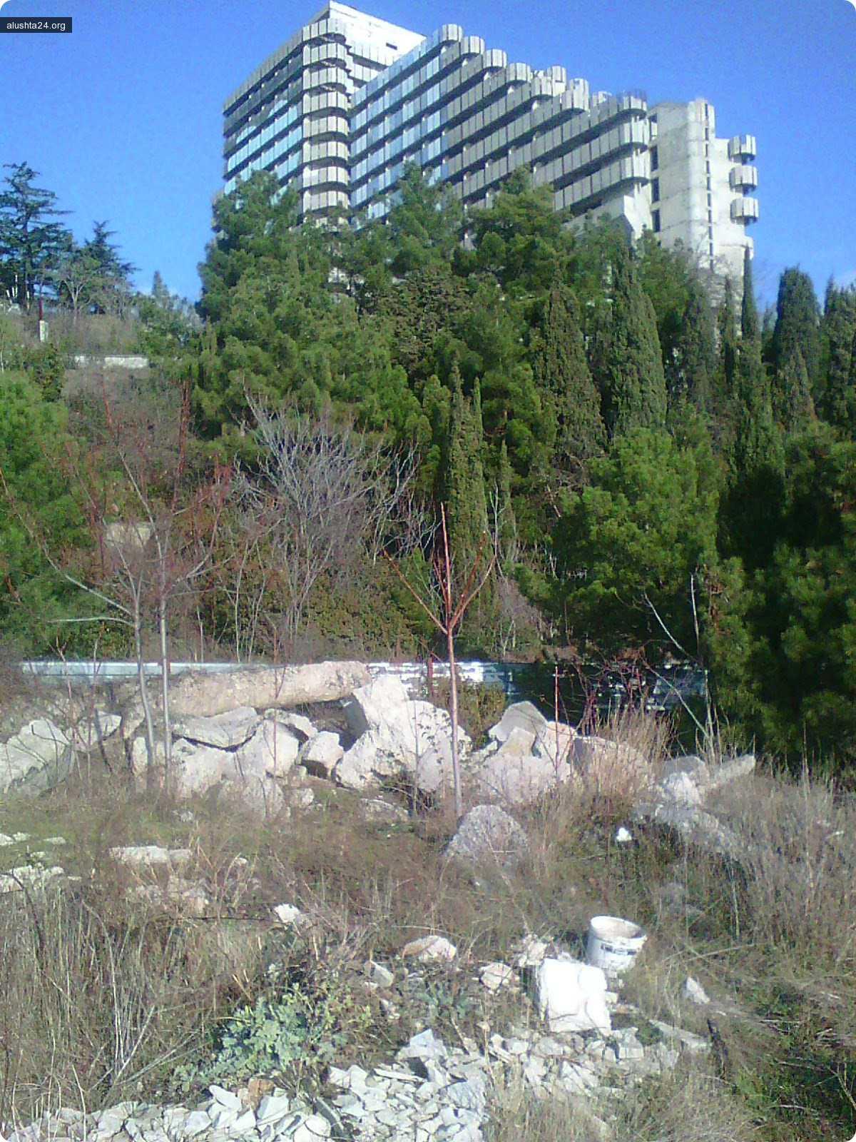 Блог им. crymlena: Мусорные пейзажи Ялты и Алушты. Несанкционированные свалки.